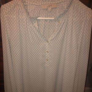 Sz s blouse, gray leaf pattern , used